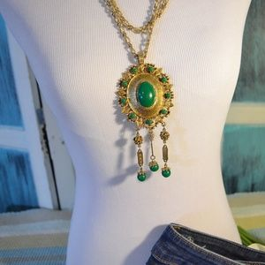 Vintage Necklace w Pendant